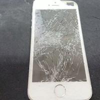 iPhone修理シルバーガレージ新宿店のiPhone6Sガラス割れ修理に関する記事